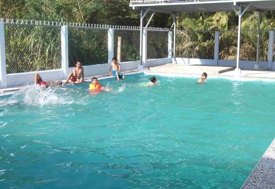 Hồ bơi công cộng Bến Tre